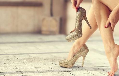 le scarpe nuove fanno male e i piedi soffrono ecco le soluzioni