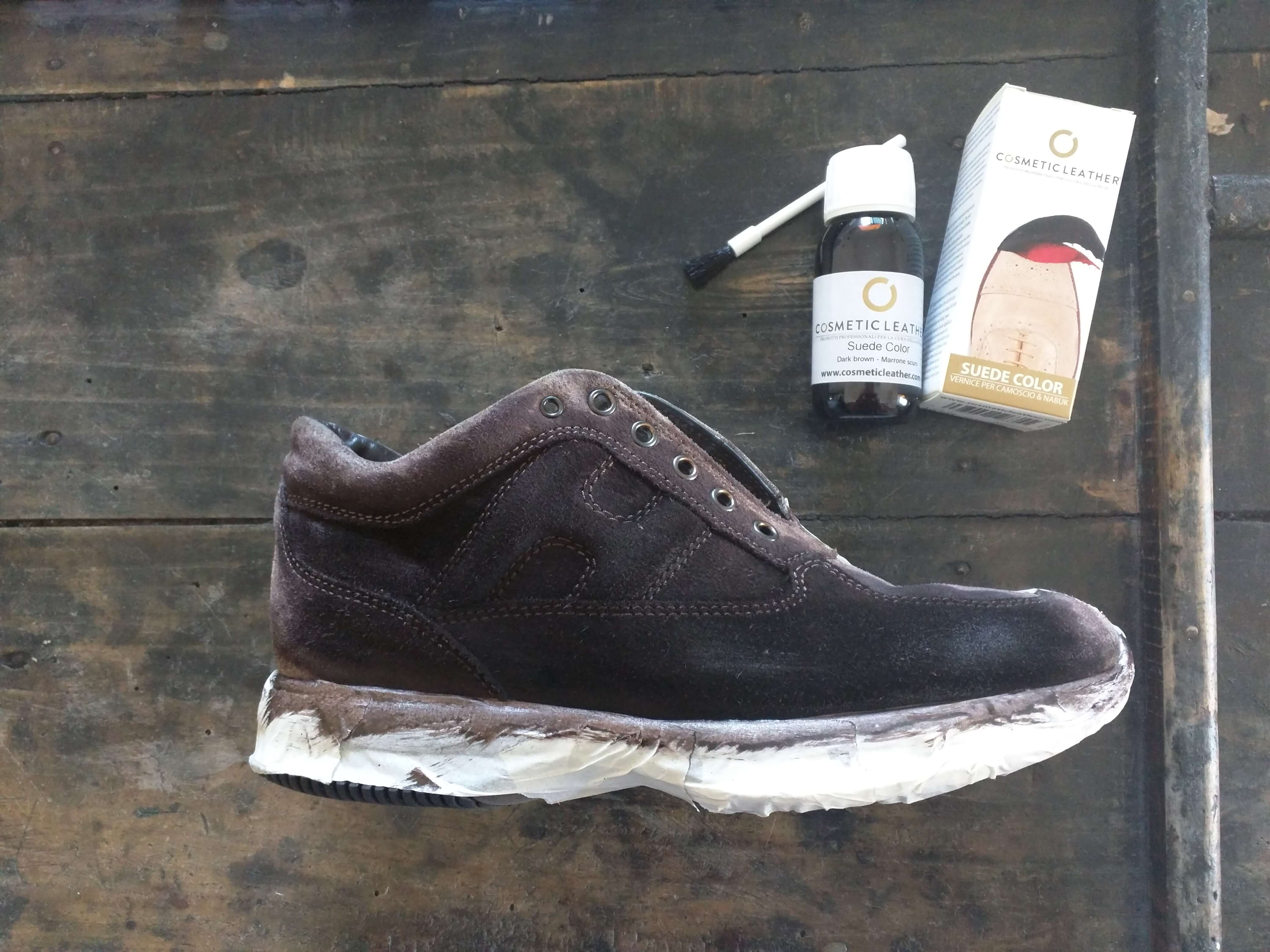 Tingere scarpe scamosciate