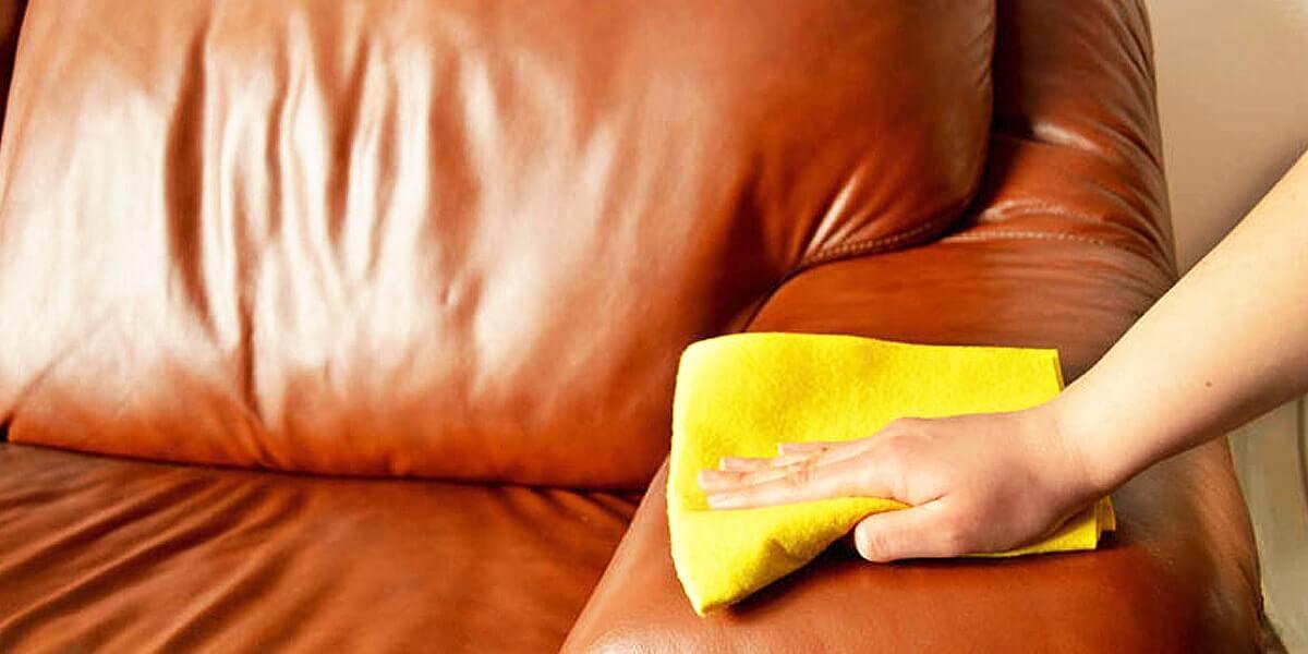 come pulire divano in pelle